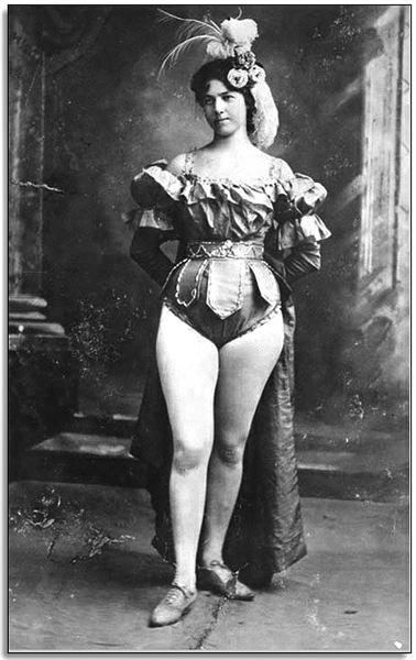 by: CONTRIBUTED PHOTO: MUSEUM OF HISTORY & INDUSTRY, SEATTLE - Klondike Kate as a young entertainer.