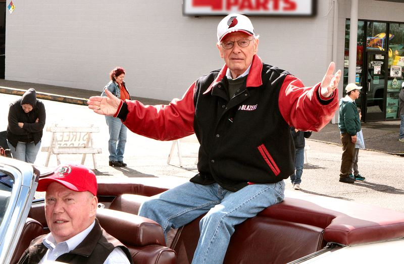 by: DAVID F. ASHTON - Mr. Rip City himself, the 2014 parade Grand Marshal Bill Schonely, greets the cheering crowd.