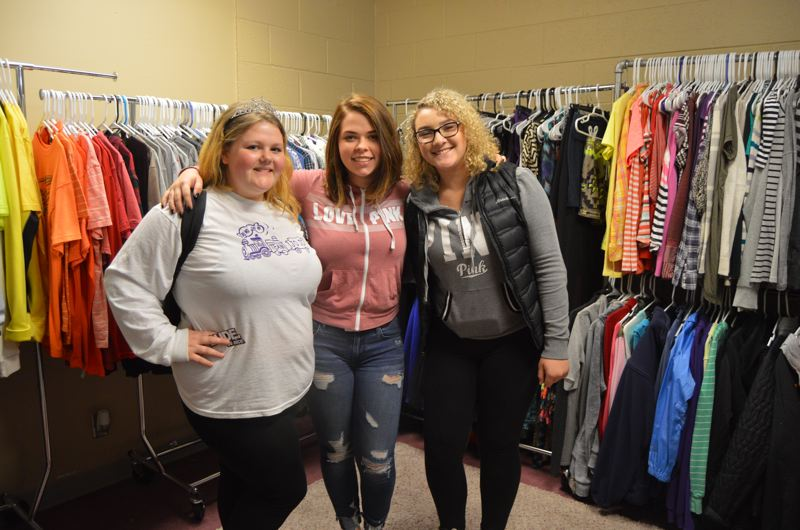 Scappoose students hold fundraiser to support clothing closet