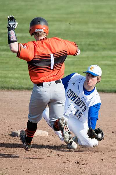 Gladstone Defeats Crook County in Tri-Valley baseball action