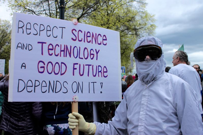 Thousands in Portland march in name of science