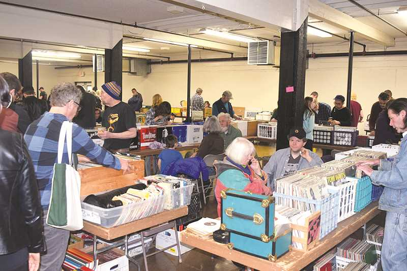 Canby Record Bonanza draws large crowd