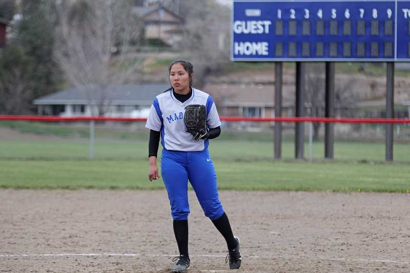 Madras softball duo jelling on the mound