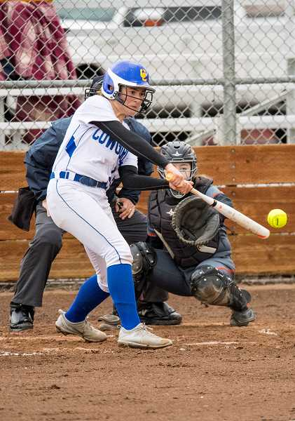 Cowgirls defeat Gladiators in extra innings