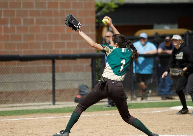 Gaston softball splits a pair with first place Vernonia