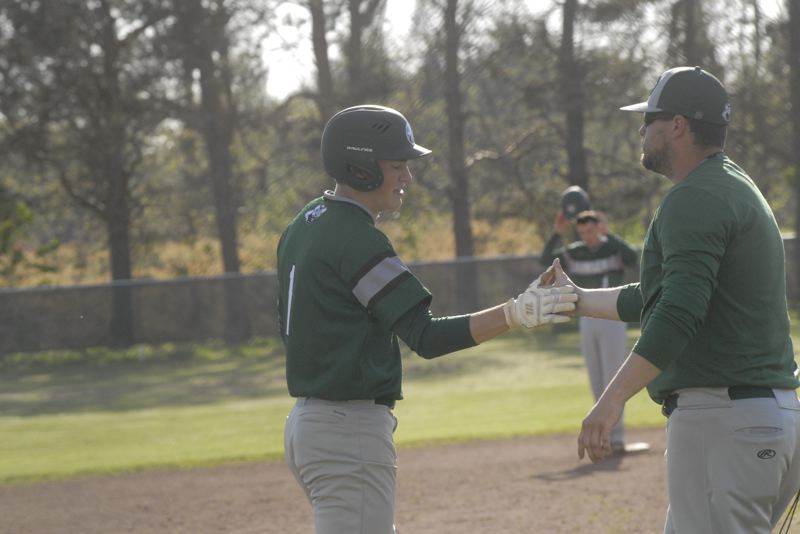 Estacada plays sloppy, still defeats Corbett 7-3