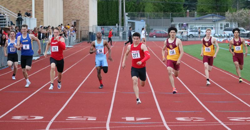 Photo gallery: Mt. Hood district track championships
