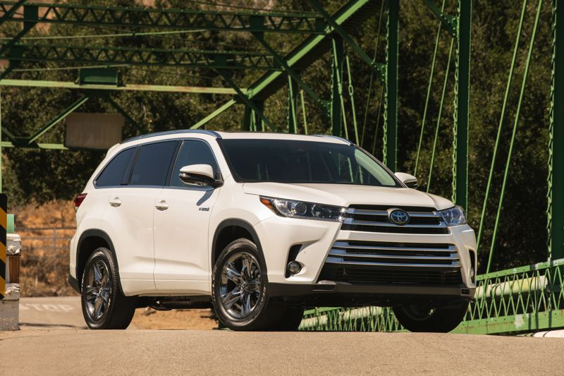 TOYOTA MOTORS - The front end of the 2017 Toyota Highlander Hybrid is even more aggressively styled than the gas-powered version.