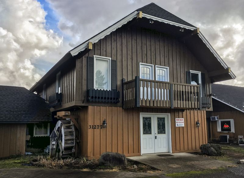 OUTLOOK PHOTO: JOSH KULLA - A Boring property that formerly hosted Ashley's Restaurant and other businesses has been sold to a Sandy family as part of the Hartner bankruptcy proceedings.