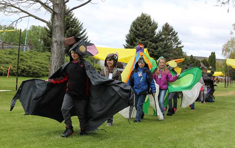 JASON CHANEY/CENTRAL OREGONIAN  - Crooked River second-graders in Laura Graydon's class participate in the Costume Parade.