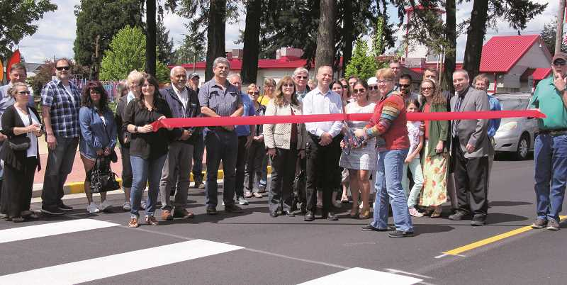 It's official: Molalla Avenue is back in business