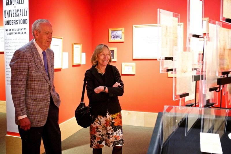 PAMPLIN MEDIA GROUP FILE PHOTO - Historian and author Doris Kearns Goodwin toured the Oregon Historical Society's Lincoln collection with Portland developer Melvin 'Pete' Mar Jr. in 2014. It was Mark who collected the items from Lincoln's presidency and hosted the OHS exhibit.