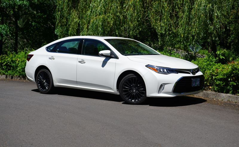 PORTLAND TRIBUNE: JEFF ZURSCHMEIDE - The 2017 Toyota Avalon offers full-size comfort and carrying capacity at a very reasonable price.