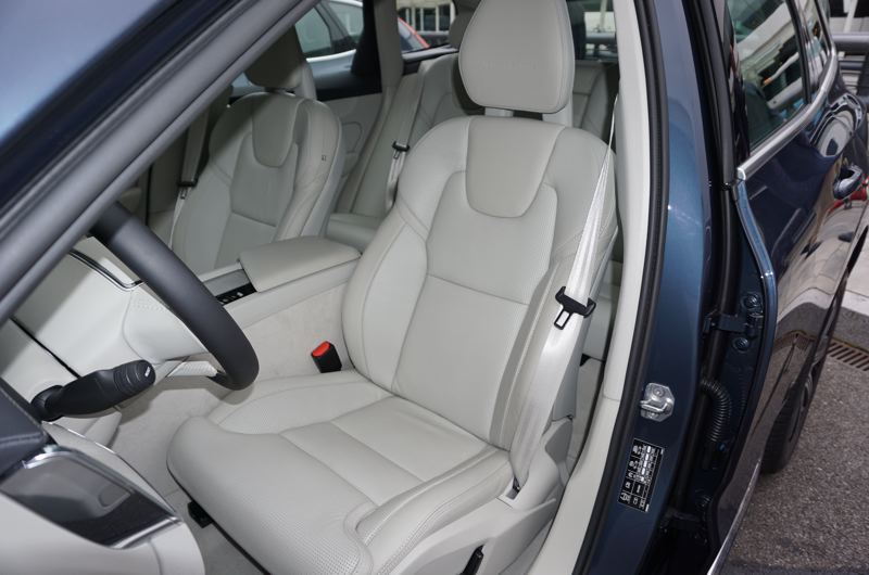 PORTLAND TRIBUNE: JEFF ZURSCHMEIDE - All internal surfaces are made of high-quality materials and the XC60 is extremely comfortable in all seating positions.