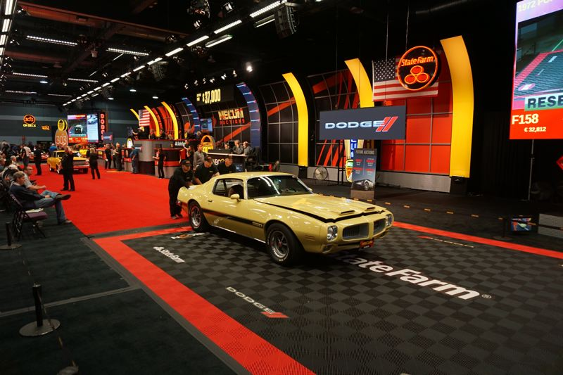 PORTLAND TRIBUNE: JEFF ZURSCHMEIDE - Muscle cars like this Pontiac Firebird Formula are esepcailly popular at Mecum Auctions.