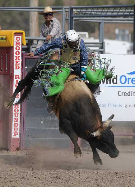 LON AUSTIN/CENTRAL OREGONIAN - Jordan Spears, from Redding, California, rides O Yea, earning a score of 76 to tie for first place with Roscoe Jarboe of New Plymouth, Idaho.