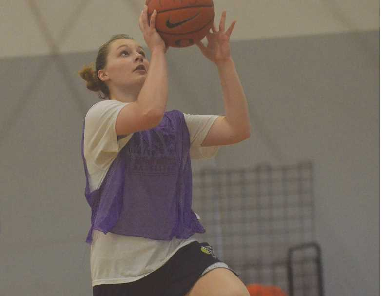 HERALD PHOTO: COREY BUCHANAN - The Canby High girls basketball team hosts summer camp.