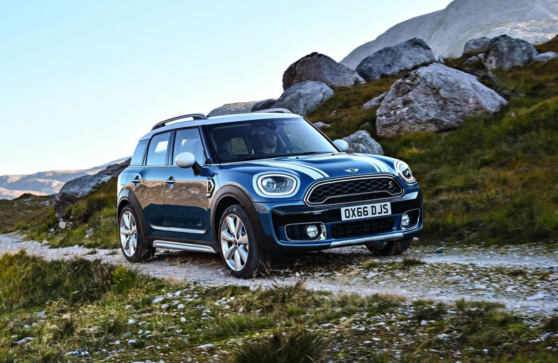 BMW OF NORTH AMERICA - Equipped with optional ALL4 Motion all-wheel-drive, the 2017 Clubman is the most versitile Mini yet.