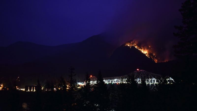 PHOTO COURTESY OF MARK SEGULJIC - The Eagle Creek fire approaches Cascade Locks.