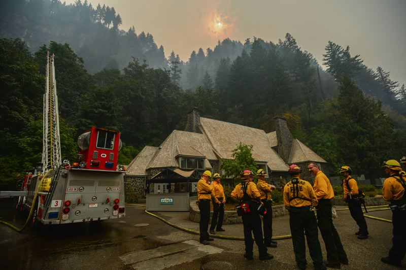 Crews making headway on Columbia Gorge wildfires