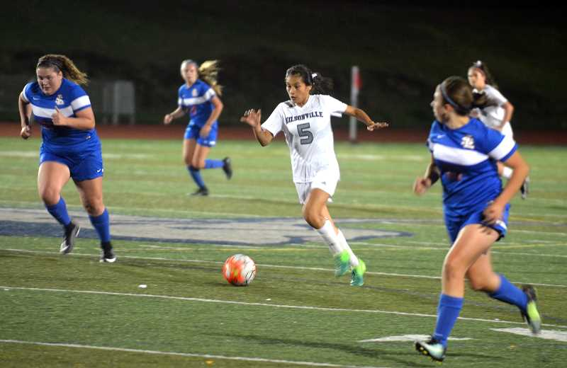 SPOKESMAN PHOTO: TANNER RUSS - Sophomore Araxi Tejeda-Martinez was tasked with bringing more offense to Wilsonvilles game against La Salle. Wilsonville played to a 0-0 draw on Tuesday, Oct. 3.
