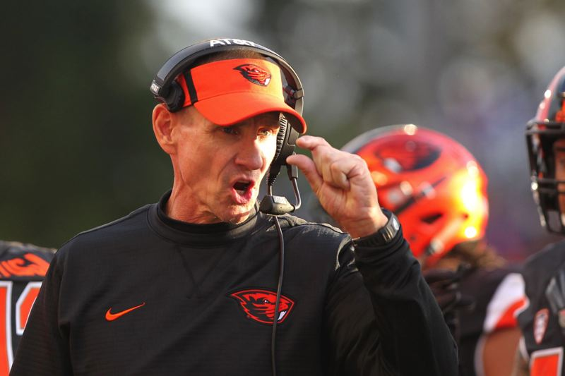 TRIBUNE PHOTO: JAIME VALDEZ - Gary Andersen coaches Oregon State during its 2017 game against Washington.