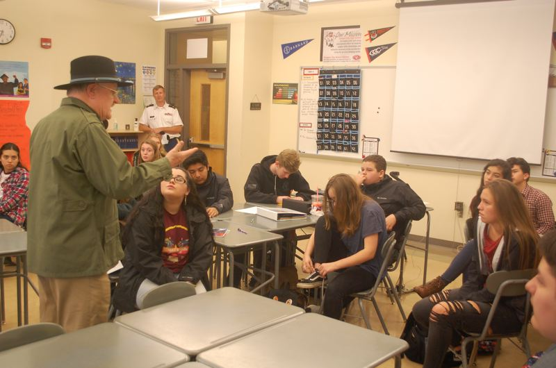Jim Jordan who served in the 1st Cavalry Division during the Vietnam War tells Oregon City High School students about his service