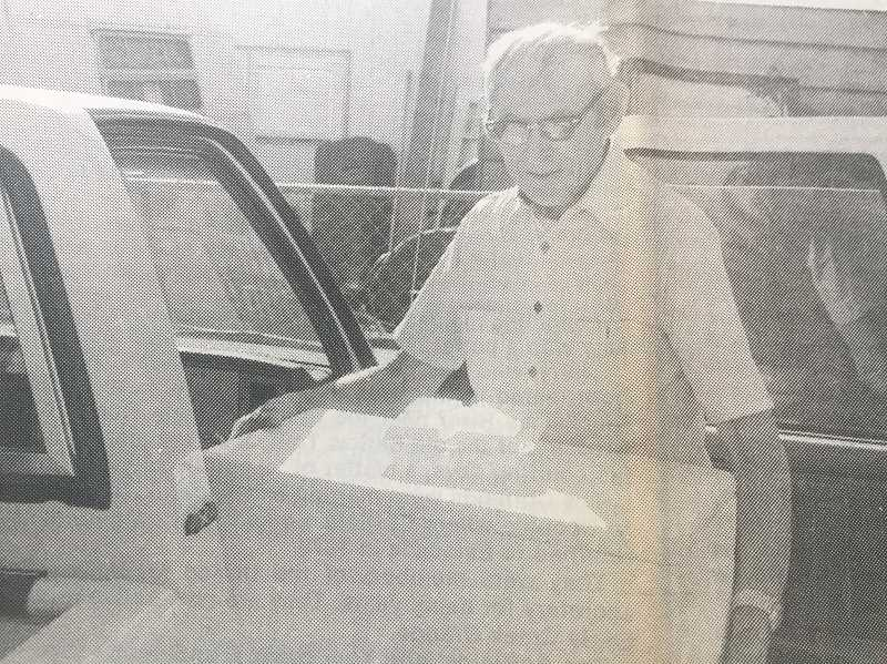 ARCHIVE PHOTO - In 1997, 91-year-old Oliver Bowman delivered Loaves and Fishes meals to his fellow Estacada residents.