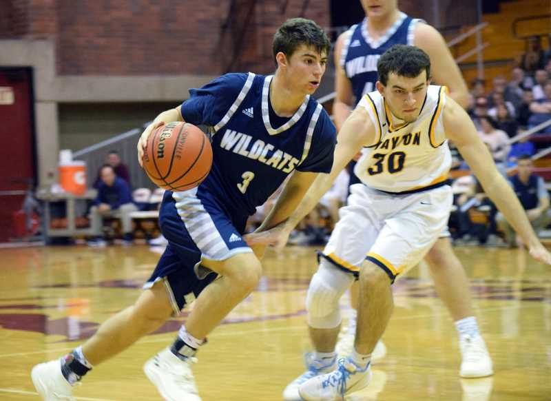 SPOKESMAN PHOTO: TANNER RUSS - Junior Jack Roche had a huge game against Stayton, putting up 20 points with 10 assists.