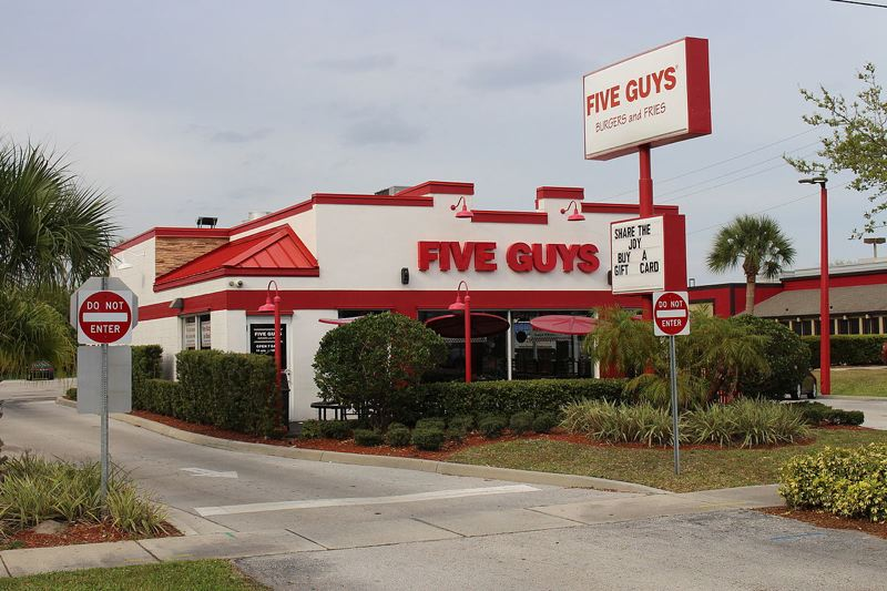 WIKIPEDIA PHOTO - Five Guys Burgers and Fries