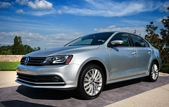 Photo Credit: TRIBINE PHOTO JOHN M. VINCENT - While the exterior changes on the 2015 VW Jetta are subtle, advances engines make it a better choice than ever for buyers seeking exceptional efficiency.