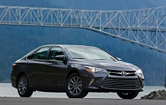Photo Credit: TRIBUNE PHOTO JOHN M. VINCENT - Usually a 'mid-cycle' refresh just updates a car's looks, but Toyota's done a lot more with the 2015 Camry, giving the popular midsize sedan a completely new personality.