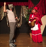 FILE PHOTO - Jeff Anderson and Renee Andrews act out a dramatic moment in 'The Wising Up of Little Red Riding Hood.'