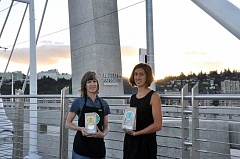 COURTESY PHOTO - Natalie Ghelfi and Kim Sahnow posed with their cake mixes around Portland last weekend while they were in town for the Portland Gluten Free Food Allergy Fest.