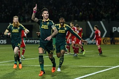 TRIBUNE PHOTO: DAVID BLAIR - Portland Timbers defender Liam Ridgewell is about to have company after scoring to give his team a 1-0 lead Sunday night against FC Dallas in leg 1 of the MLS Western Conference finals at Providence Park.