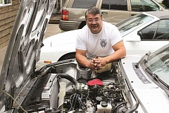 JIM BESEDA/MOLALLA PIONEER - Kurt Robertson is hosting his fifth annual Wankel Workshop on Friday and Saturday to share his knowledge of rotary engines with other rotary enthusiasts.