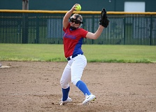 REVIEW/NEWS PHOTO: JIM BESEDA - La Salle Prep's Alexis Kemp threw a four-hitter, leading the Falcons to a 1-0 Northwest Oregon Conference road win over league-leading Putnam Friday.