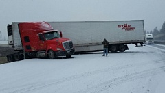 PHOTO: OREGON STATE POLICE - A truck jackknifed on Interstate 5 between Salem and Albany on Saturday.